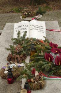 Gyertyagyújtás @ Verseghy Ferenc síremléke | Szolnok | Magyarország